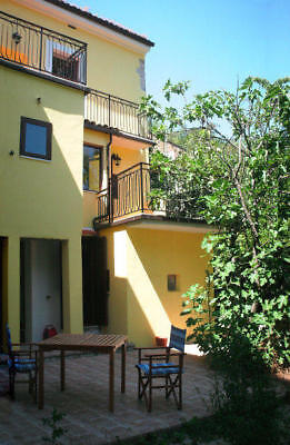 Gorgeous Town House, Introdacqua, Abruzzo, Italy. Turn-key (furnished included)