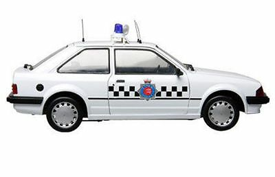 MODEL ICONS FORD ESCORT POLICE CARS 999002 999003 999004 999005 1:18th scale