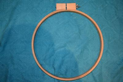 Quality PORTABLE TIMBER FRAME/HOOP Rug Tapestry Embroidery. AS NEW. Medium 30cm