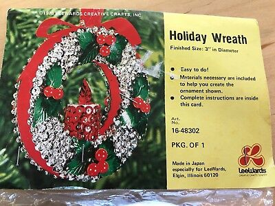 Vintage LeeWards CHRISTMAS HOLIDAY WREATH Bead Sequin Ornament Kit