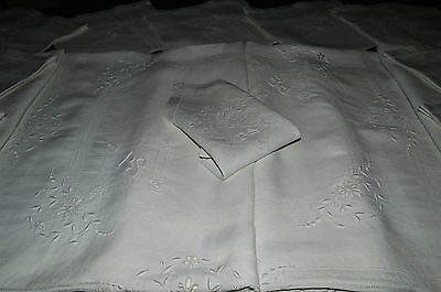 Beautiful Tablecloth Antique And Its 12 Towels Linen Embroidered P.s / Richelieu