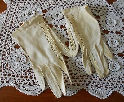 VINTAGE 1960s WOMENS KID LEATHER GLOVES CREAM SIZE 7 1/2