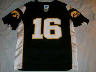 f084243c1 Iowa Hawkeyes 16 NCAA College Football Blue Jersey Youth Boy s Large 10-12  used