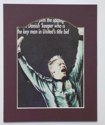 "PETER SCHMEICHEL SIGNED PICTURE IN MOUNT - MANCHESTER UNITED LEGEND 10"" x 8"""