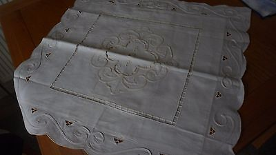 1 Vintage Style Cream Cushion Cover Heavy Cut Out Embroidery Border Scallop Edge