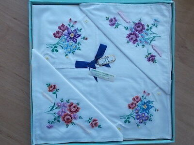 Vintage Irish Lawn Cotton Linen Embroidered Ladies Handkerchiefs 4 Boxed Set Nib