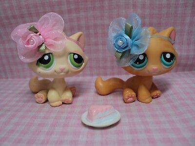 Discontinued Rare Authentic LPS Lot of Twin Cats(4) W/Handmade Bows Accessories