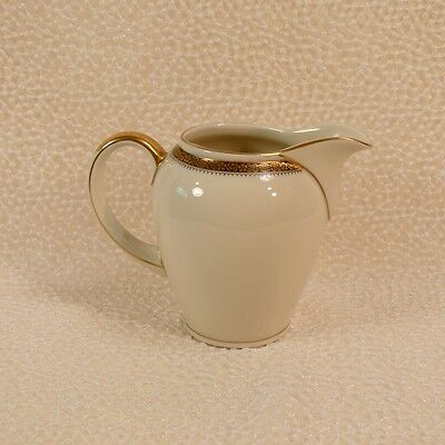 beautiful vintage cream pitcher from ireland by belleek old green hallmark picclick uk. Black Bedroom Furniture Sets. Home Design Ideas