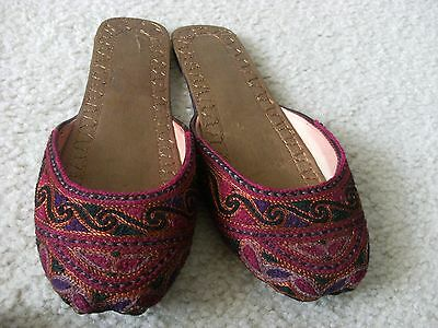 Khussa Size 8 * NEW *