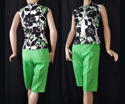 SURFER SET Vtg 1960s Kelly Green Cotton Clam Diggers Shorts Blouse Top Set NOS L