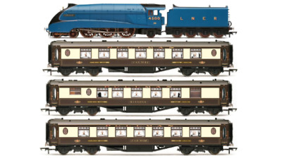 Hornby OO LNER Queen Of Scots Train Pack