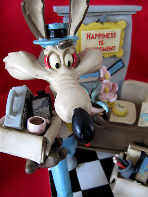 Looney Tunes Wile E Coyote Acrylic Figurine~Happpiness...is RETIREMENT in BOX