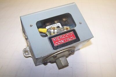 DWYER MERCOID MODEL AP 7021 153 36 PRESSURE SWITCH 1 20 PSIG