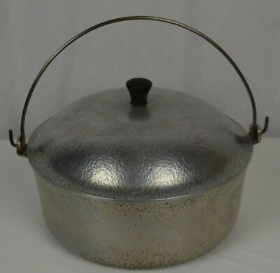 Vtg Club Dutch Oven with Lid Hammered Aluminum Hammercraft Knob Tight 4 Quart