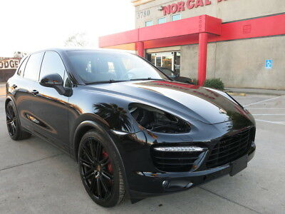 2011 Porsche Cayenne Twin-Turbo aluminum V-8 2011 Porsche Cayenne Turbo damaged wrecked rebuildable salvage low reserve 11