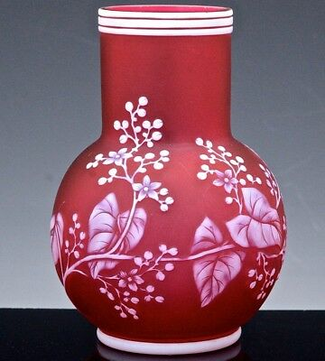 V.fine Victorian Cranberry English Cameo Cut Glass Leaf & Berry Vase Thomas Webb