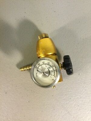 Regulator for Calibration Gas MALE O-6 LPM Variable Flow Rate, Fits 17L Cylinder