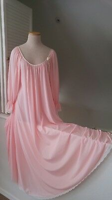 "Vintage Miss Elaine Full  Length Nylon Nightgown~130"" Sweep~Size small"
