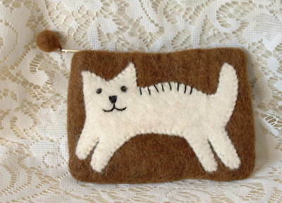 New Handcrafted Nepal Felt Leaping White Cat Kitten Change Purse Clutch Ladies