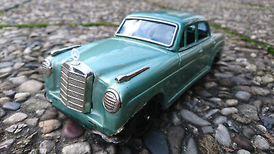 Bandai Mercedes Benz Ponton 2/9 219 220 Blechauto Tin Toy friction Japan