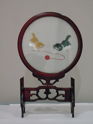 Double Sided Chinese Silk Embroidery Kittens In Round Glass Frame Swivel Stand