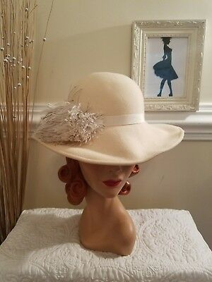 Women's Vintage Off White 100% Wool Micheal Howard Small Brim Hat with Feathers