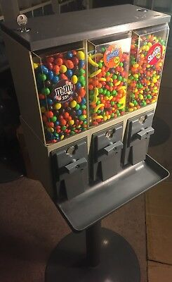 VENDSTAR 3000: Candy vending machine w locks/keys. Best Deal On Ebay!!