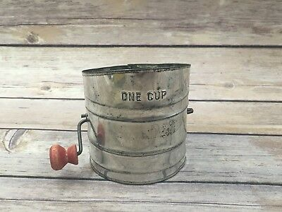 """Vintage Child's Toy 1 Cup Flour Sifter Red Wood Handle 3.5"""""""