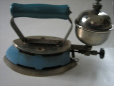 Vintage Coleman Made In U.s.a. Blue Porcelain Gas Iron Model 4A