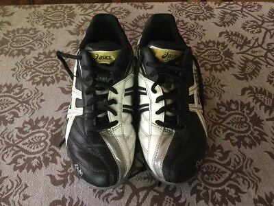 ASICS Gel Lethal Ultimate boys footy boots size US4