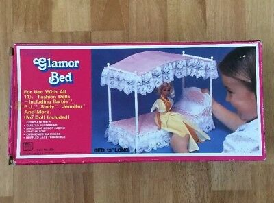 VINTAGE MY DREAMWORLD GLAMOUR BED Made In Hong Kong For Barbie Dolls 1983 IN BOX