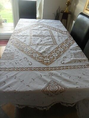 VINTAGE WHITE COTTON / LINEN PATTERNED  EX LARGE TABLECLOTH 90 x 81 in CHRISTMAS