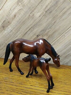 "2 Vintage Hartland mother foal plastic horse figurines mother 3-1/2"" tall"