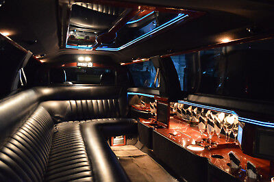 """2004 Lincoln Town Car Limo 2004 :Lincoln Town Car Super Stretch 120"""" 10 pass Dabryan Limousine Rental Ready"""