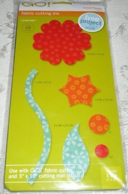 Accuquilt Go! Fabric Cutting Die ROUND FLOWER - Item #55007 Cuts 6 Shapes New)