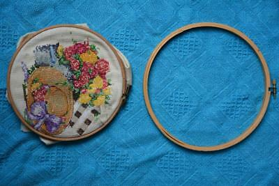 2 x PORTABLE Wooden FRAME/HOOP Tapestry Embroidery Artwork + Craft Item AS NEW