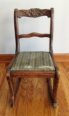 ~ SHIPS FREE ~ NO RESERVE ~ Vintage 1940's Child's Wooden Rocker Rocking Chair ~