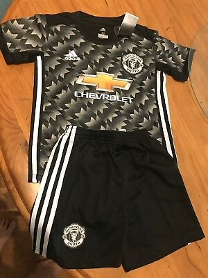 17/18 Away Manchester United Kids Jersey And Shorts  - Bailley 3 On Back