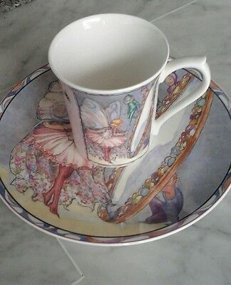 mug  et petite assiette de collection fee porcelaine angleterre past time