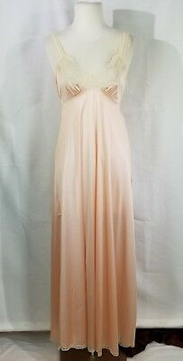 Gorgeous Vtg MISS ELAINE Blush Nightgown Super Soft Lace Small USA
