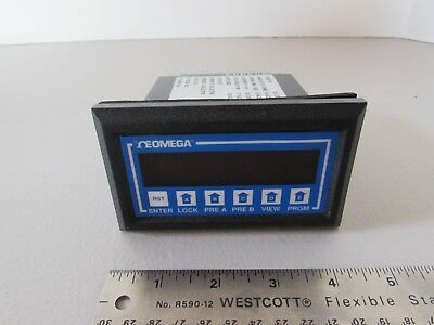 Omega Engineering Model DPF66 110VAC Analog Rate Batch Totalizer Meter Panel USA