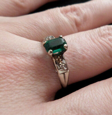 Antique Art Deco 3/4 Carat Emerald 14k White Gold Ring SZ 8, 2 Diamond Accents