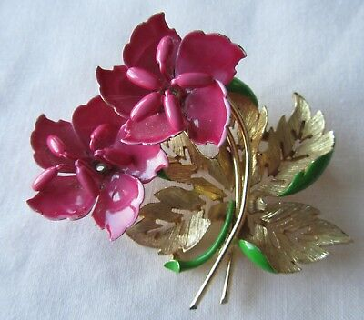 Vintage gold tone pin enamelled flower brooch
