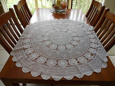 Vintage White Crochet Round Tablecloth 104cm Diameter 100% Cotton