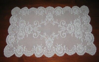 VINTAGE FILET LACE TABLE RUNNER ~ WHITE ~ COTTON (b)
