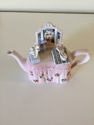 Paul Cardew Ladies Dressing Table One Cup