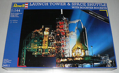 Revell 04911 Launch Tower & Space Shuttle mit Booster Rockets 1:144 - NASA
