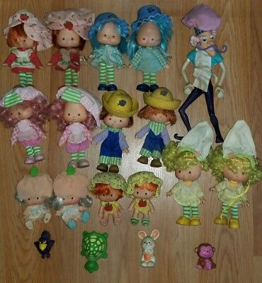 Lot Of 15 Vintage American Greetings Strawberry Shortcake Dolls & Accessories