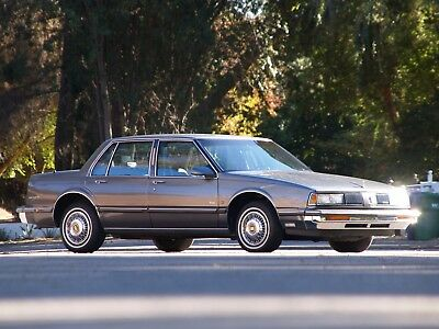 1989 Oldsmobile Eighty-Eight Royale Low 21k Miles Barn Yard Grandma Special 1989 Oldsmobile Eight-Eight 21k Original Low Miles Barnyard Barn Yard Find Rare