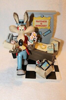 """Wile E Coyote Figurine """"Happiness is Retirement"""" New in Box Looney Tunes MINT"""